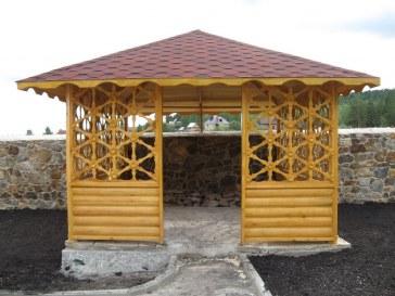 Квадратная большая садовая деревянная беседка