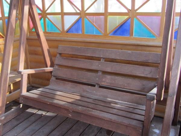 Садовые дачные деревянные качели для беседки и веранды