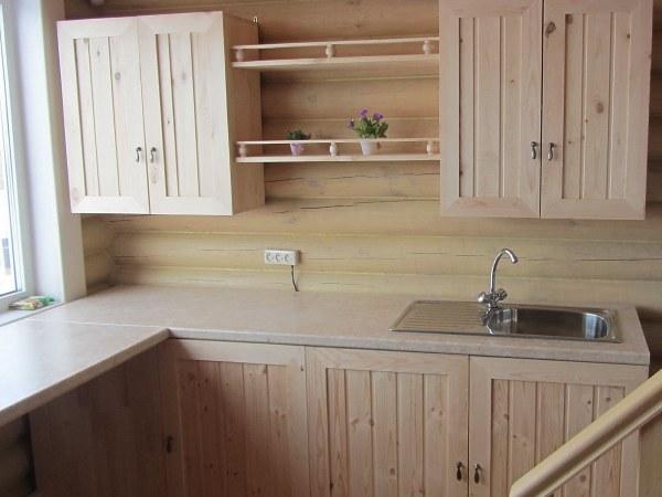 Деревянный кухонный гарнитур из сосны